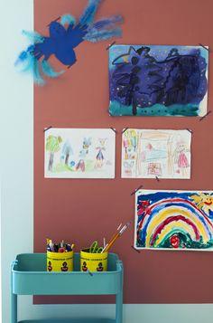 Kidsroom diy: Paint a board for your kids artwork