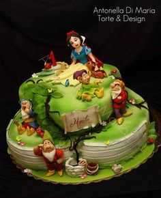 .Snow White and Seven Dwarfs Cake Cute!!
