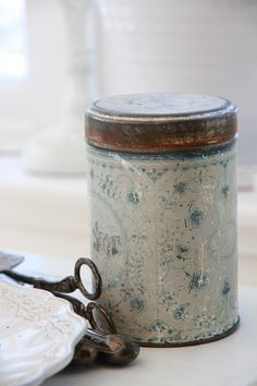 ♕  sweetest antique tin container