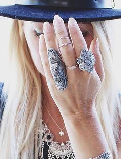 Idée et inspiration Bijoux :   Image   Description   unique rings