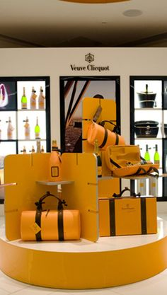 Veuve Cliquot Champagne Bar, Harrods my favourite spot i wish Champagne Bar, Champagne Buckets, Veuve Cliquot, Luxe Life, Go Shopping, Shopping Spree, Through The Looking Glass, Luxury Shop, Mellow Yellow