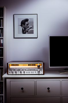 Pioneer SX-1080. Made in 1978. One day...