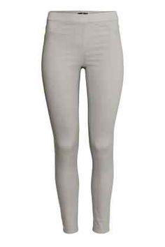 60 - Pantaloni mulaţi superelastici