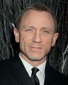 10 vind-ik-leuks, 1 reacties - Daniel Craig (@danielcraigfanacc) op Instagram: ' #danielcraig #hot #handsome #handsomeman #suit #mancrusheveryday #blueeyes'