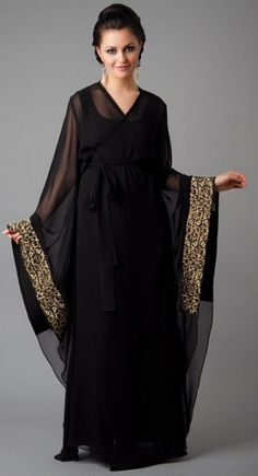 Abaya is a loose over wearing garment of Muslim culture that is used to cover the complete body. Abaya's mostly has been used. Islamic Fashion, Muslim Fashion, Modest Fashion, Fashion Outfits, Kaftan Style, Caftan Dress, Abaya Mode, Abaya Dubai, Hijab Stile
