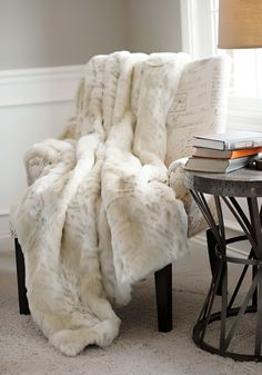 Lynx Limited Edition Faux Fur Throw Blankets | Fabulous-Furs