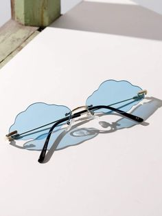Latest Sunglasses, Cute Sunglasses, Mirrored Sunglasses, Cute Jewelry, Jewelry Accessories, Fashion Accessories, Glasses Trends, Lunette Style, Cool Glasses