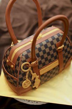 masam manis: Louis Vuitton Bag Cake Tutorial http://2015lvlike.tumblr.com/