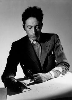 Jean Cocteau en 1942. Photo : Raymond Voinquel
