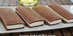 Milk Slice Recipe – Dilek Yavuz Süt Dilimi Tarifi A wonderful picture recipe for those who want to prepare light but tasty treats with Kinder flavor at home Pasta Recipes, Cake Recipes, Dessert Recipes, Cake Recipe Using Buttermilk, Pasta Fagioli Recipe, Best Dishes, Turkish Recipes, No Cook Meals, Food Pictures