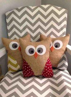 polka dots and chevron diy burlap owl pillow - button, fabric, burlap pillow crafts Burlap Owl, Burlap Pillows, Sewing Pillows, Baby Pillows, Custom Pillows, Decorative Pillows, Throw Pillows, Owl Crafts, Decor Crafts