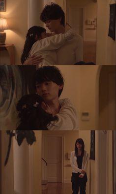 """Kotoko llega borracha a casa. Naoki trata de bajarla de la espalda de Moto-chan. Kotoko: """"Soy inmadura y violenta. ¡Tus ojos dicen que estás disgustado!"""". Naoki: """"Estoy totalmente disgustado"""". Bajándola a la fuerza la toma en brazos. Kotoko: """"Pero a ti, te gusta Rika más que yo"""". Rika: """"¿Se durmió?"""". Naoki: """"Disculpa por lo de hoy"""". Rika: """"No quiero tus disculpas"""". Naoki: """"No debiste provocarla"""". Rika: """"¿Qué? Yo nunca..."""". Naoki: """"Buenas noches"""" - Itazura na Kiss Love in Tokyo 2, Ep 9"""