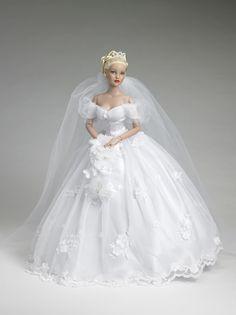Cinderella Bride doll View 1