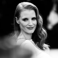 Jessica Chastain in Cannes (red carpet), with gorgeous waves