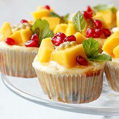 Mini serniczki z mango, marakują i granatem | Kwestia Smaku