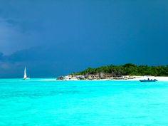 Uninhabited beach near Grace Bay, Turks & Caicos