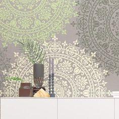 medallion stencil - decoration idea - stenciling - home decor