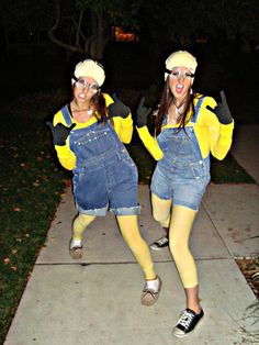 oh halloween and the halloween parties! this year me and ann were minions. Adult Minion Costume, Minion Costumes, Diy Costumes, Adult Costumes, Halloween Costumes, Costume Ideas, Halloween 2015, Holidays Halloween, Halloween Party