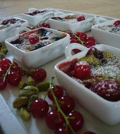 Petits gratins de fruits rouges à la pistache | Poudre de pistache ou poudre d'amande