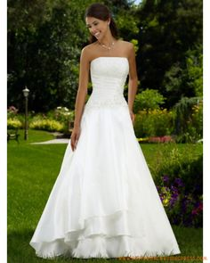 Taffeta Strapless Empire Bodice With A-line Skirt And Chapel Train Hot Sell Wedding Dress Sell Wedding Dress, Wedding Dresses 2014, Wedding Bridesmaid Dresses, Bridal Dresses, Wedding Gowns, Wedding 2015, Pretty Flower Girl Dresses, Bustier, Mi Long