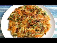 Korean vegetable pancake (Yachaejeon) by Maangchi Korean Dishes, Korean Food, Vegetable Recipes, Vegetarian Recipes, Cooking Recipes, Maangchi Recipes, Korean Vegetables, Korean Pancake, Vegetable Pancakes
