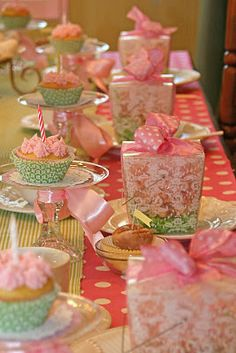 party favors, table settings, little girls, cupcake stands, girl parties