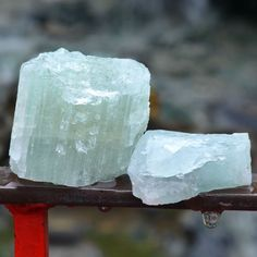 Meditating with Raw Aquamarine, and placing it throughout your home, office and sacred space, brings relaxation, rejuvenation and releases stress and anxiety. It instills peace, calmness and tranquility within your environment. #aquamarine