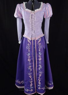 anyone have $700 they want to throw my way? This Rapunzel costume is beautiful