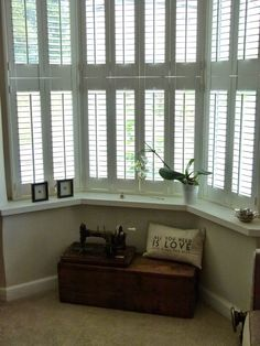Plantation Shutters Victorian Bay Window Roses and Rolltops : Makeover - Lounge Transformation