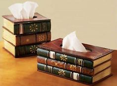 25 Modern and Creative Tissue Paper Holder. 25 Modern and Creative Tissue Paper Holder 5 Tissue Paper Holder, Tissue Box Covers, Tissue Boxes, Old Book Crafts, Paper Crafts, Diy Casa, Recycled Books, Book Folding, Do It Yourself Projects
