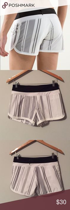 Lululemon shorts Lululemon Groovy Run Shorts, size 4, great condition with no damages. Built in liner, two way stretch, signature three pocket waistband, continuous drawcord at waist to adjust fit. Bundle to save 10% off ❤️ rip tag removed lululemon athletica Shorts