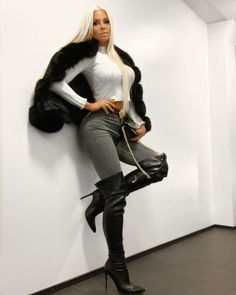 Thigh High Boots, Over The Knee Boots, Fur Fashion, Womens Fashion, Jeans And Boots, Leather Pants, Fur Coat, High Heels, Long Hair Styles