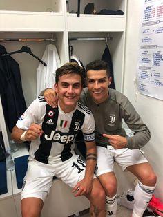Dybala x Ronaldo 😍😍😍 Madrid Football, Football Is Life, Football Boys, Cristiano Ronaldo 7, Soccer Post, Cr7 Messi, Cr7 Junior, Soccer Memes, Soccer Shirts