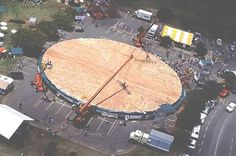 Catering is gonna be so hard LOL -The World's Largest Pizza Ever Weighed 26,883 lbs
