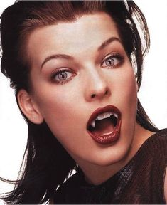 model_actress_milla_jovovich_with_vampire_fangs_by_turlyvamp-d4y2ef7.jpg (629×770)