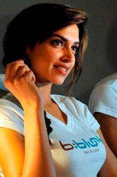 Deepika Padukone Indian Film Actress, Beautiful Indian Actress, Beautiful Actresses, Indian Actresses, Actors & Actresses, Bollywood Actors, Bollywood Celebrities, Indian Celebrities, Queen Of Hearts