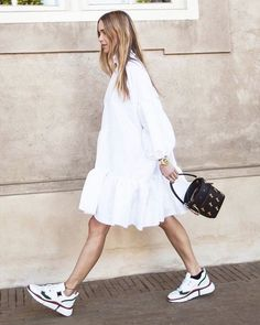 All White Outfits Aesthetic Summer Style: Smock Dress and White Trainers with Chloe Bag Wearing head-to-toe white is the easiest summer styling trick of all time. See how our favourite fashion people are trying this look for summer 2019 here. All White Outfit, White Outfits, Casual Outfits, Pretty Outfits, Mode Outfits, Fashion Outfits, Womens Fashion, Fashion Tips, White Fashion