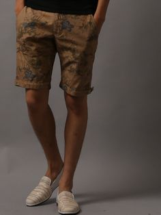 5351 Pour Les Hommes 5351プール・オム,迷彩ハワイ柄 ショートパンツ/ Camo shorts on ShopStyle