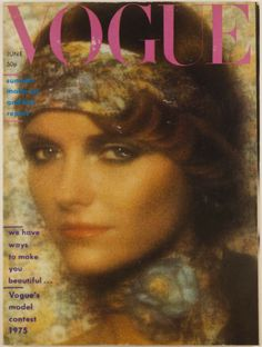 Jean Shrimpton and Marie Helvin together(! by Bailey, 8 pages. Also fashion stories shot by Eric Boman page hairstyles special) & Willie Christie. The cover model is Cheryl Tiegs, photographed by David Bailey, with 6 page fashion spread. Cosmopolitan Magazine, Vogue Magazine, Youtube Theme, Cheryl Tiegs, Vogue Photography, 70s Makeup, Jean Shrimpton, Vogue Models, David Bailey
