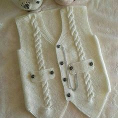 "diy_crafts- ""Knitting inspiration \""would look great crocheted\"", \""Jenny Battiss Barnard\"", \""Unique and cute! Baby Knitting Patterns, Knitting For Kids, Crochet For Kids, Knitting Stitches, Knitting Designs, Crochet Baby, Knitted Baby, Gilet Crochet, Knit Crochet"