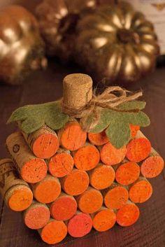 Fall Pumpkin Crafts, Easy Fall Crafts, Fall Diy, Holiday Crafts, Diy Pumpkin, Pumpkin Wine, Wine Cork Crafts, Wine Bottle Crafts, Wine Bottles