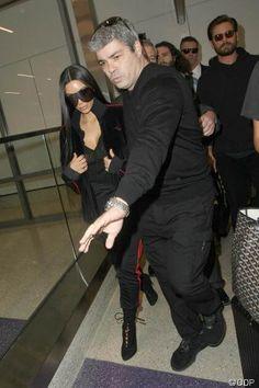 """Aktuell! Polizeibericht veröffentlicht! So schildert Kim Kardashians den Überfall: Der """"KUWTK""""-Star wurde mit einer Waffe bedroht und fürchtete um sein Leben - http://ift.tt/2iH9HnI #story"""
