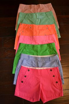 """j-crew-crazy: """"My J Crew shorts addiction is real. Passion For Fashion, Love Fashion, Fashion Outfits, Warm Outfits, Cute Outfits, J Crew Shorts, Chino Shorts, Preppy Style, My Style"""