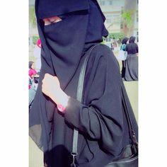 Hijab Fashion Summer, Niqab Fashion, Street Hijab Fashion, Beautiful Muslim Women, Beautiful Hijab, Most Beautiful Indian Actress, Arab Girls Hijab, Muslim Girls, Hijabi Girl