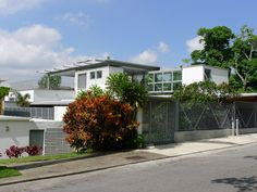 Remodelación y ampliación de una casa de los años 50 en Caracas. Quinta Manantial