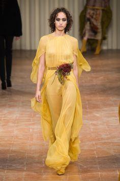 Fashion Show Alberta Ferretti Ready-to-Wear Autumn-Winter 2017-2018 Mila