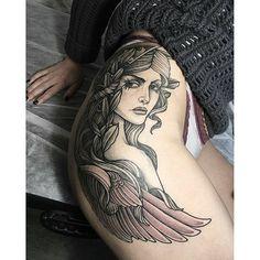 """Tatuagem feita por  <a href=""""http://instagram.com/sashatattooing"""">@sashatattooing</a> - ✨ Athena"""