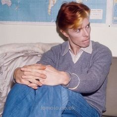 Download every Bowie track @ Iomoio.co.uk