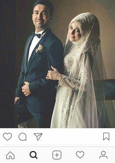 Hijabi Wedding, Muslim Wedding Dresses, Muslim Brides, Muslim Dress, Muslim Couples, Muslim Girls, Wedding Photography Poses, Wedding Poses, Wedding Couples