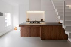 nice counter / cabinet detail